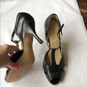 Tahari Laser Cut Leather Heels size 10 so cute